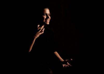 Declar pe propria raspundere Alina Serban foto de Vadim Ghirda
